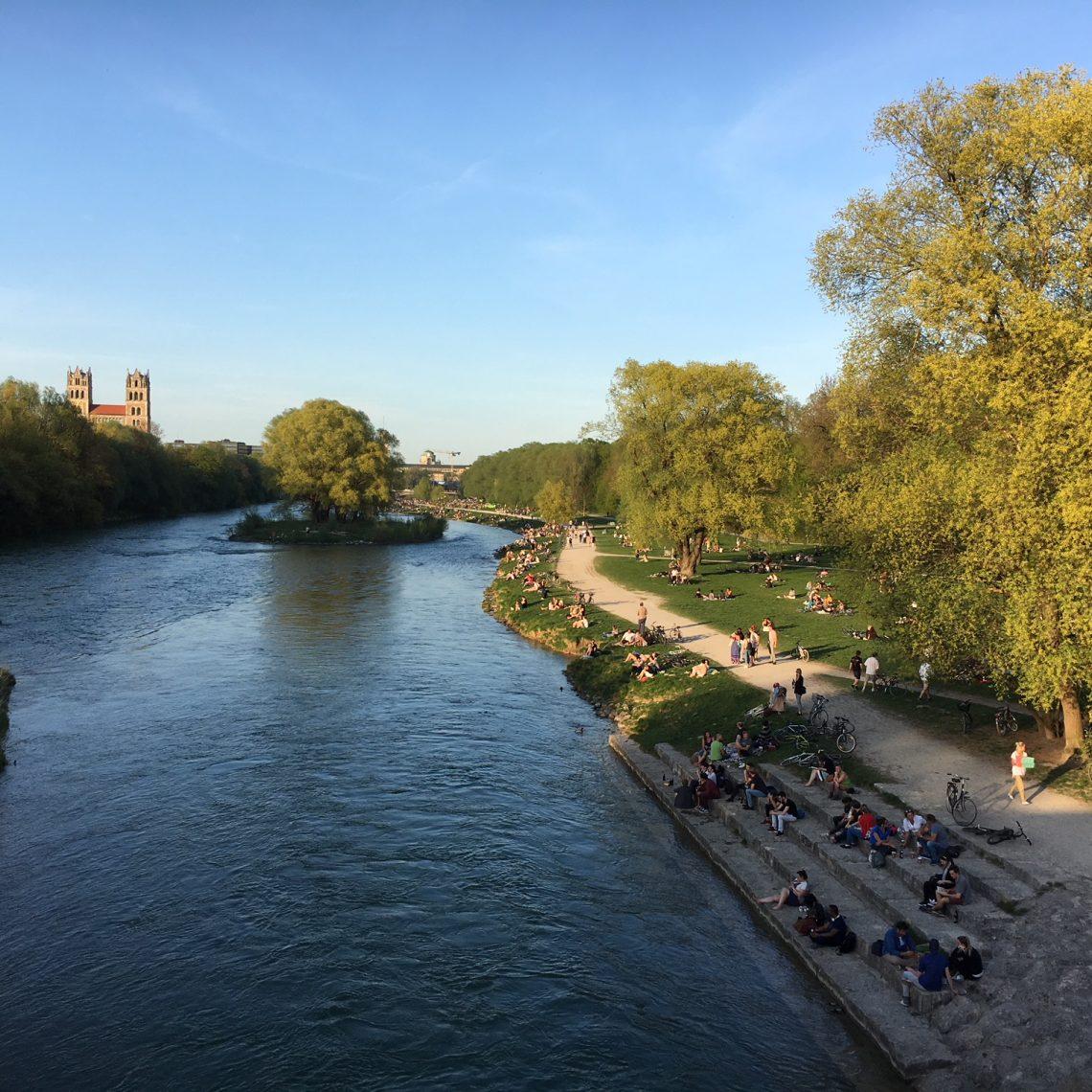 Sommerabend Wittelsbacherbrücke Isar München
